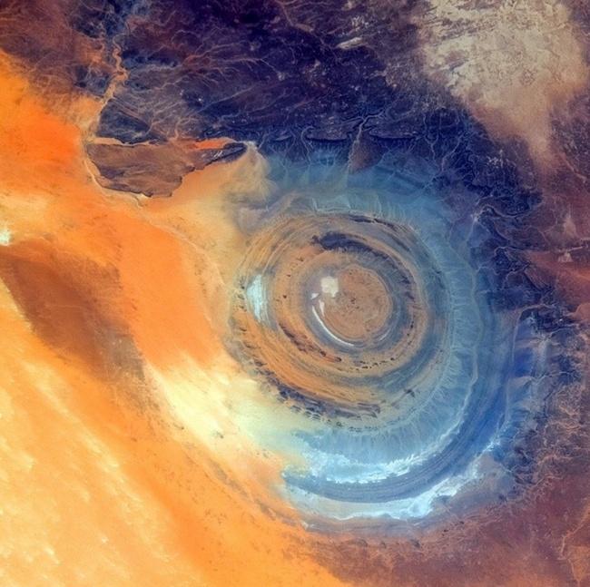 俄宇航员从宇宙中拍摄的地球奇幻美丽照片