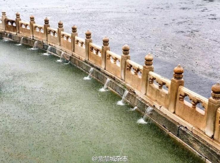 北京全城普降暴雨 故宫未有积水600年排水系统遭考验 - 和蔼一郎 - 和蔼一郎