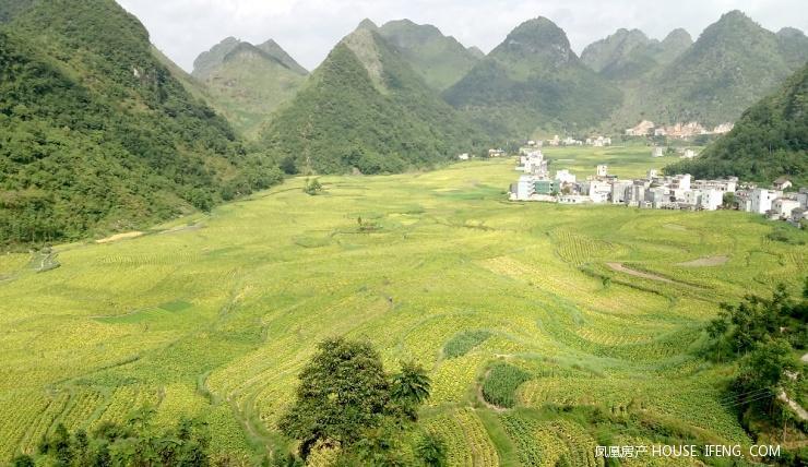 广西隆林:醉人的乡村秋色美景