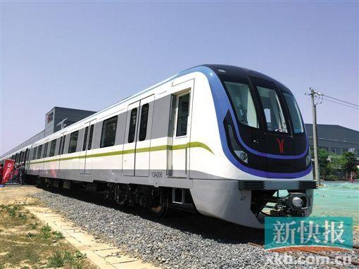 广州地铁13号线 巨无霸 飞毛腿图片