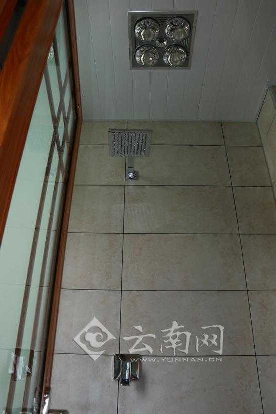 浴霸里面连接线图片