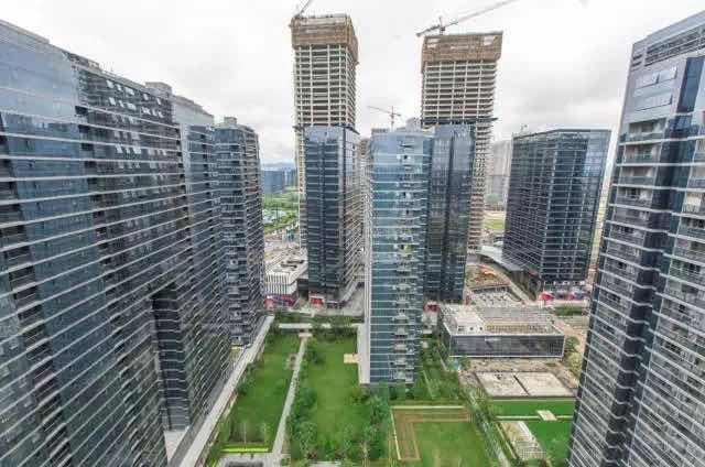 12年后,崛起中的efc仍是如此, 立下领先杭州写字楼的信念后, 建工