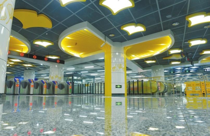 成都地铁10号线双流机场 不出站转乘飞机