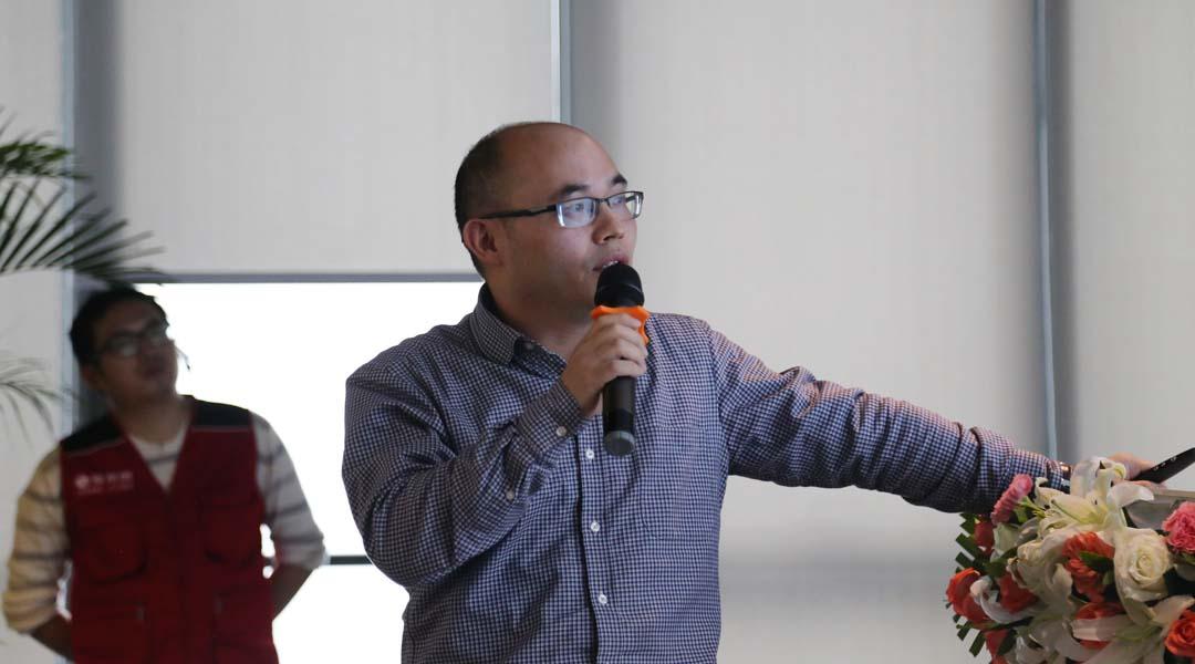 重庆社会科学院城市发展研究所的副所长、研究员 彭劲松