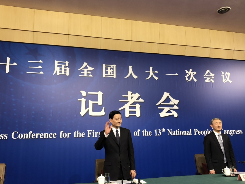 """""""总管家""""肖亚庆:严控海外风险和投资风险,央企要带好头"""
