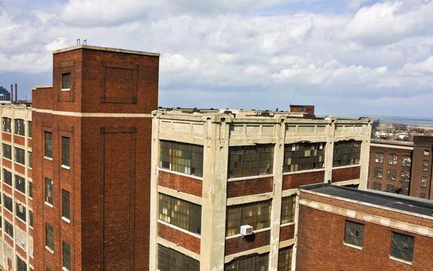 只剩下一楼和顶楼时,最好买哪层?