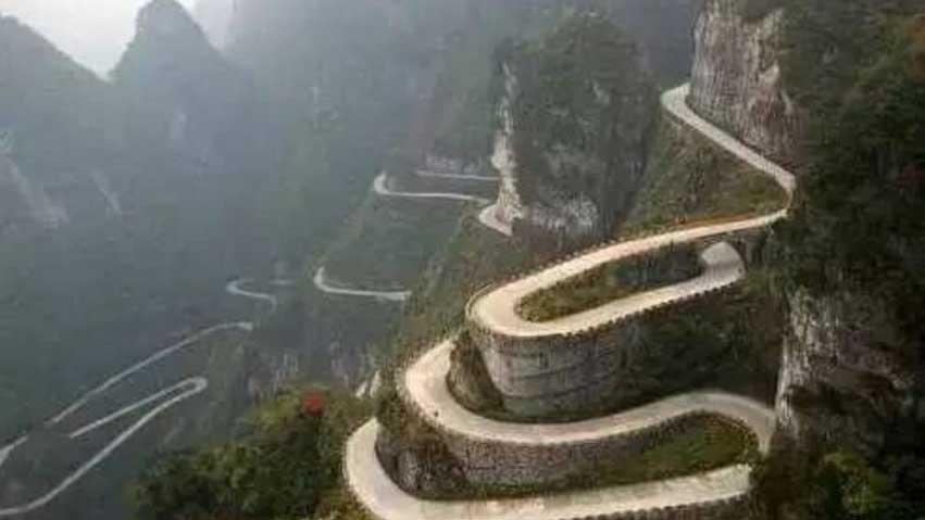 中国最悲壮的公路!2000人修了17个月 200人因此牺牲