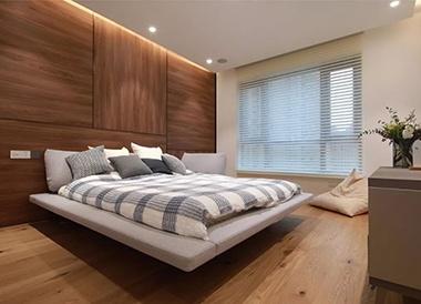 卧室铺木地板,这样搭配更自然